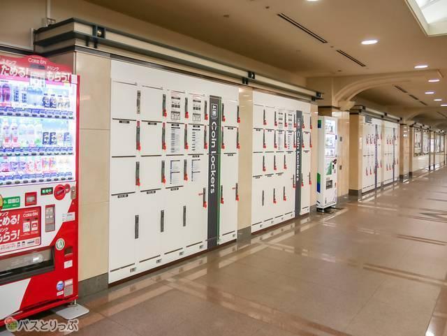 OCAT26 JR難波駅改札フロアのコインロッカー