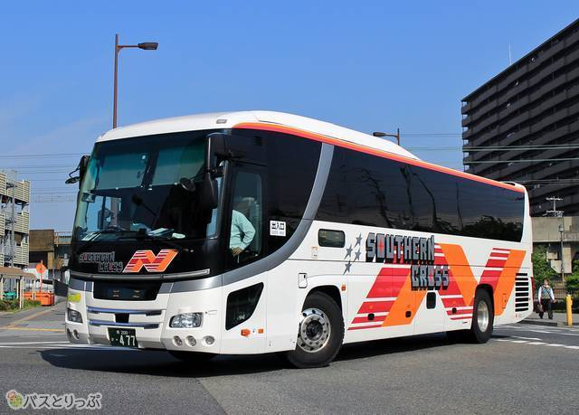 南海バス「サザンクロス」の車両外観