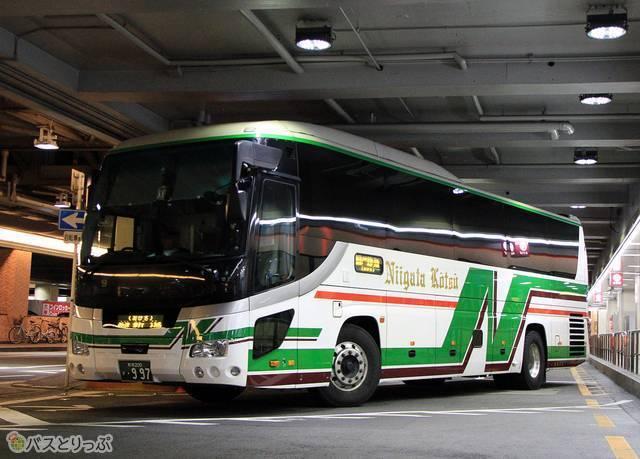 新潟交通 高速バスの車両外観