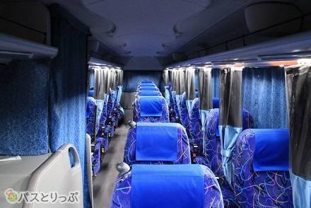 東北急行バスの高速バス車両をまとめて紹介! 3列独立と4列、シートや設備の違いは?