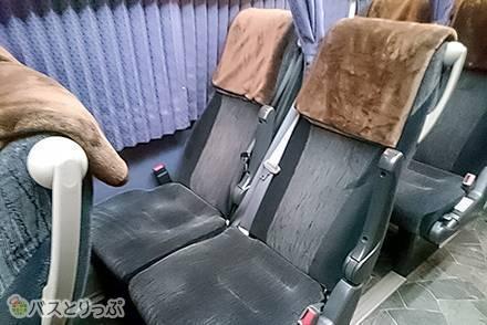 グレース観光の高速バス「グレースライナー」2種類の4列シートはどう違う? 車内設備の違いや共通サービスをご紹介!