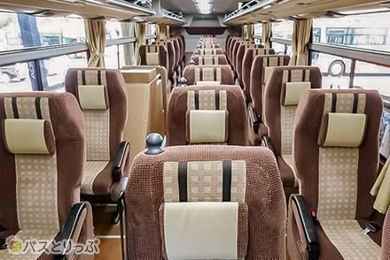 神姫バスの4種のシートを全比較。高級バス「プリンセスロード」は個別カーテン付き! 運行路線情報も