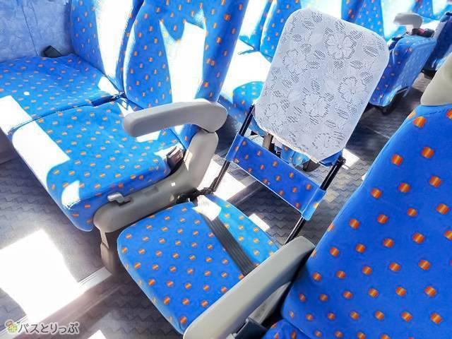 補助席があるのは4列シート(スタンダード)のみ