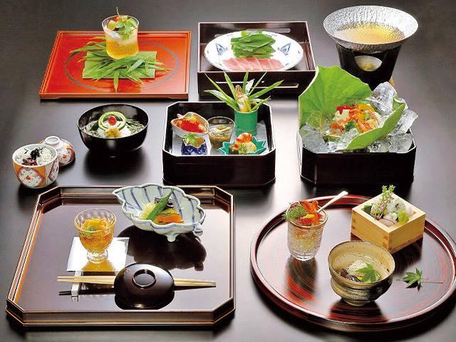 日本平ホテル夕食例_和.jpg