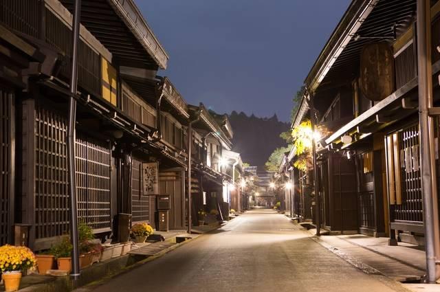 飛騨高山の古い街並み.jpg