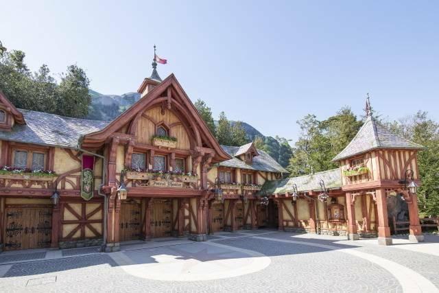 ファンタジーランド・フォレストシアター(c)Disney