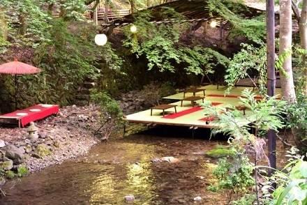 避暑地で涼しい夏を過ごそう! 関西発のバスツアーで行けるスポットまとめ【神鍋高原・高野山・琵琶湖・貴船の川床】