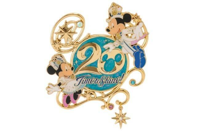 ピンバッジ2,000円(c)Disney