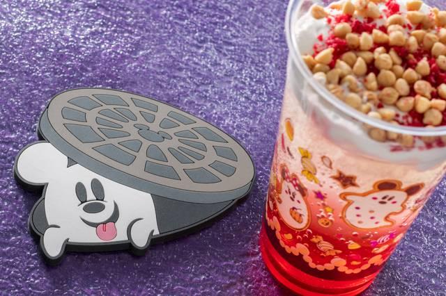 スパークリングゼリードリンク、スーベニアコースター付き 1,000円(c)Disney
